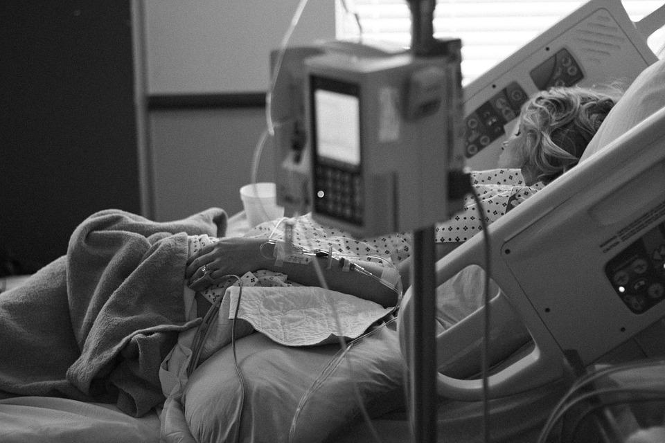 Logran que paciente en estado vegetativo llore y sonría