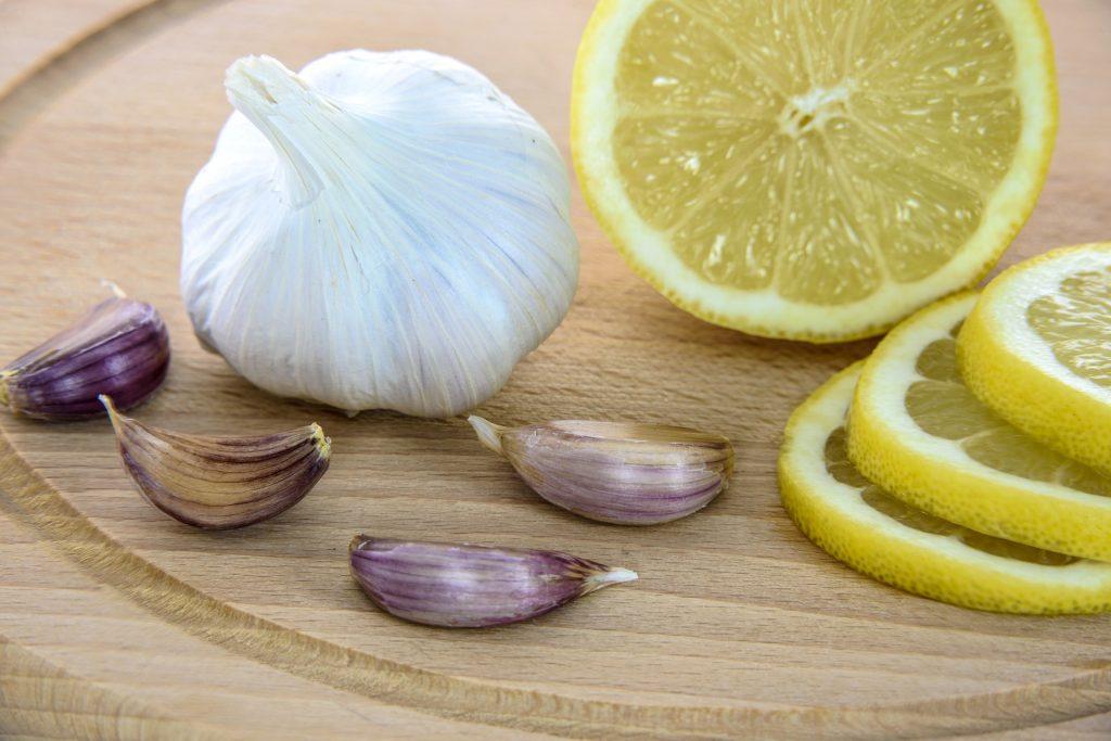 Ajo y cebolla contienen probióticos, alimentos adecuados para consumir mientras tomas probióticos