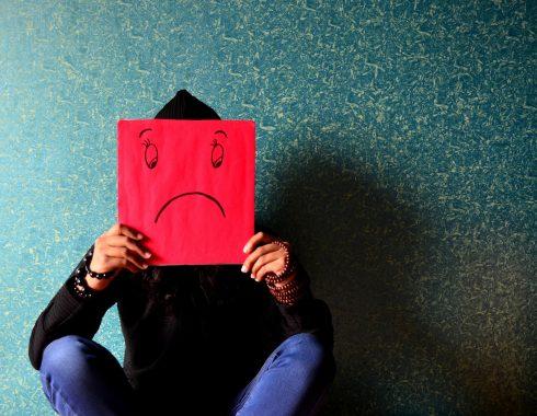 Las personas alrededor del mundo están más estresadas y deprimidas