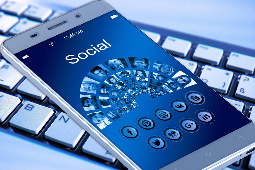 Las redes sociales incrementan el sentimiento de soledad, nueva evidencia