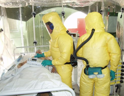 Ébola: una lucha contra la epidemia y la desinformación