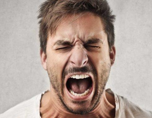 Personas con ira y enojo podrían estar deprimidos
