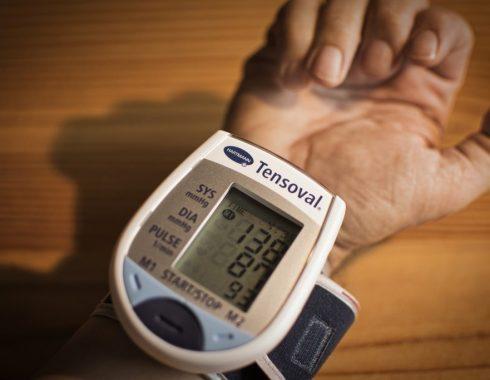 Denervación renal podría ayudar a pacientes con hipertensión