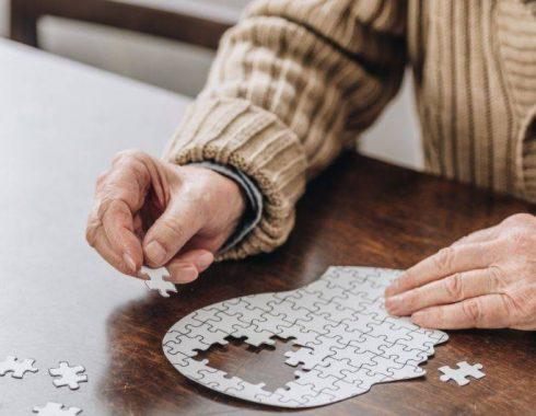 Medicamentos anticolinérgicos aumentan el riesgo de padecer demencia