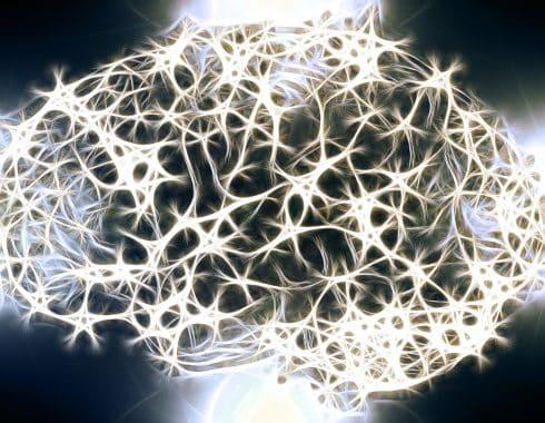 Señales de conciencia oculta podrían determinar qué pacientes despertarán de un coma