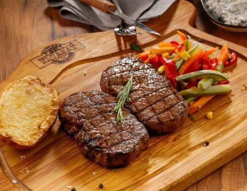 ¿Comer menos carne roja realmente es bueno para la salud?