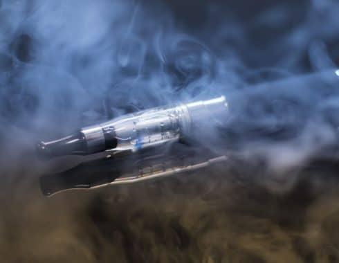 Los cigarros electrónicos, tan dañinos como los cigarros tradicionales