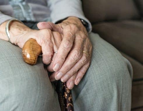 """La """"epidemia de soledad"""" y el aumento del envejecimiento"""