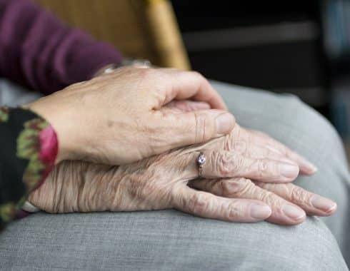 Los habitantes de los países más ricos viven saludables más años