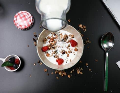 ¿Existe asociación entre consumo de leche y cáncer de mama?