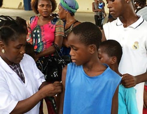 Debido al COVID-19 se suspende la vacunación para polio y sarampión