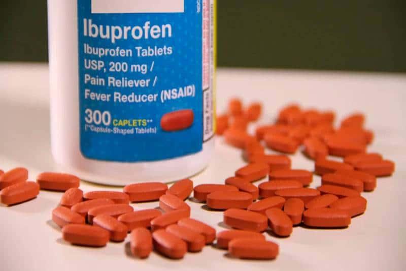 qué diferencia hay entre el naproxeno e ibuprofeno